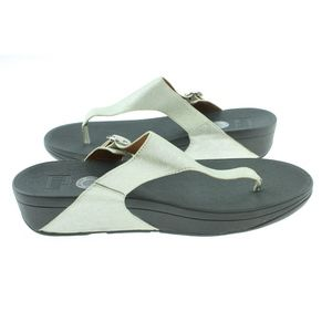 b9b5a7942d058 FitFlop Womens The Skinny Deluxe Flip Flop Sandals